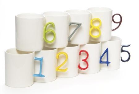 Divertida colección de tazas numeradas