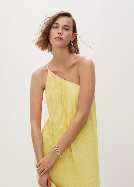 Mango tiene en sus segundas rebajas los vestidos perfectos para estrenar en verano y todos por menos de 15 euros