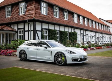 Porsche Panamera 4s E Hybrid Sport Turismo 2021 1600 05