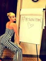 Miley Cyrus y Nick Jonas, ¿amor a la sombra de una hamburguesa?