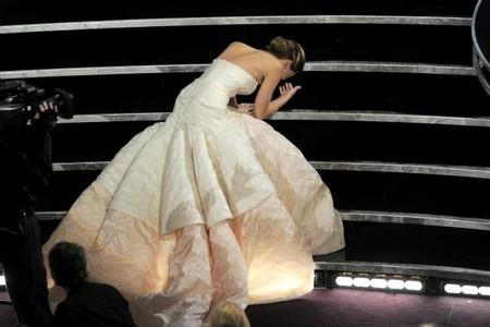 96cb910980 Los 11 vestidos más caros de la historia de los Oscar