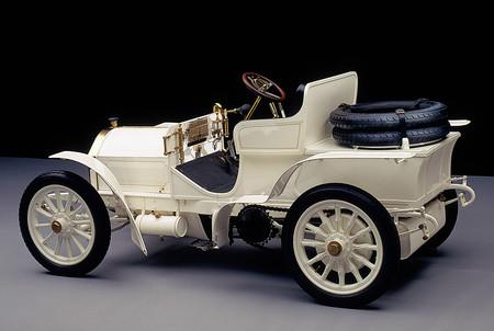 Mercedes Benz 1900 3