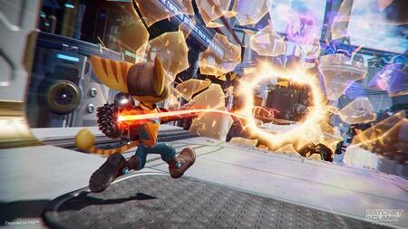 Las armas y habilidades de Ratchet & Clank: Una dimensión aparte protagonizan un nuevo tráiler de cara a su inminente lanzamiento