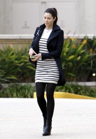 Duelo de estilos en looks de calle: Sienna Miller VS. Jessica Biel VS. Jennifer Aniston