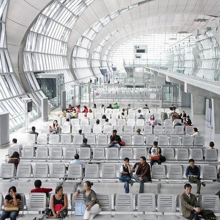 Se indemnizará a pasajeros con vuelos retrasados por más de tres horas