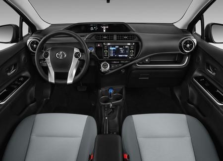 Toyota Prius C 3b