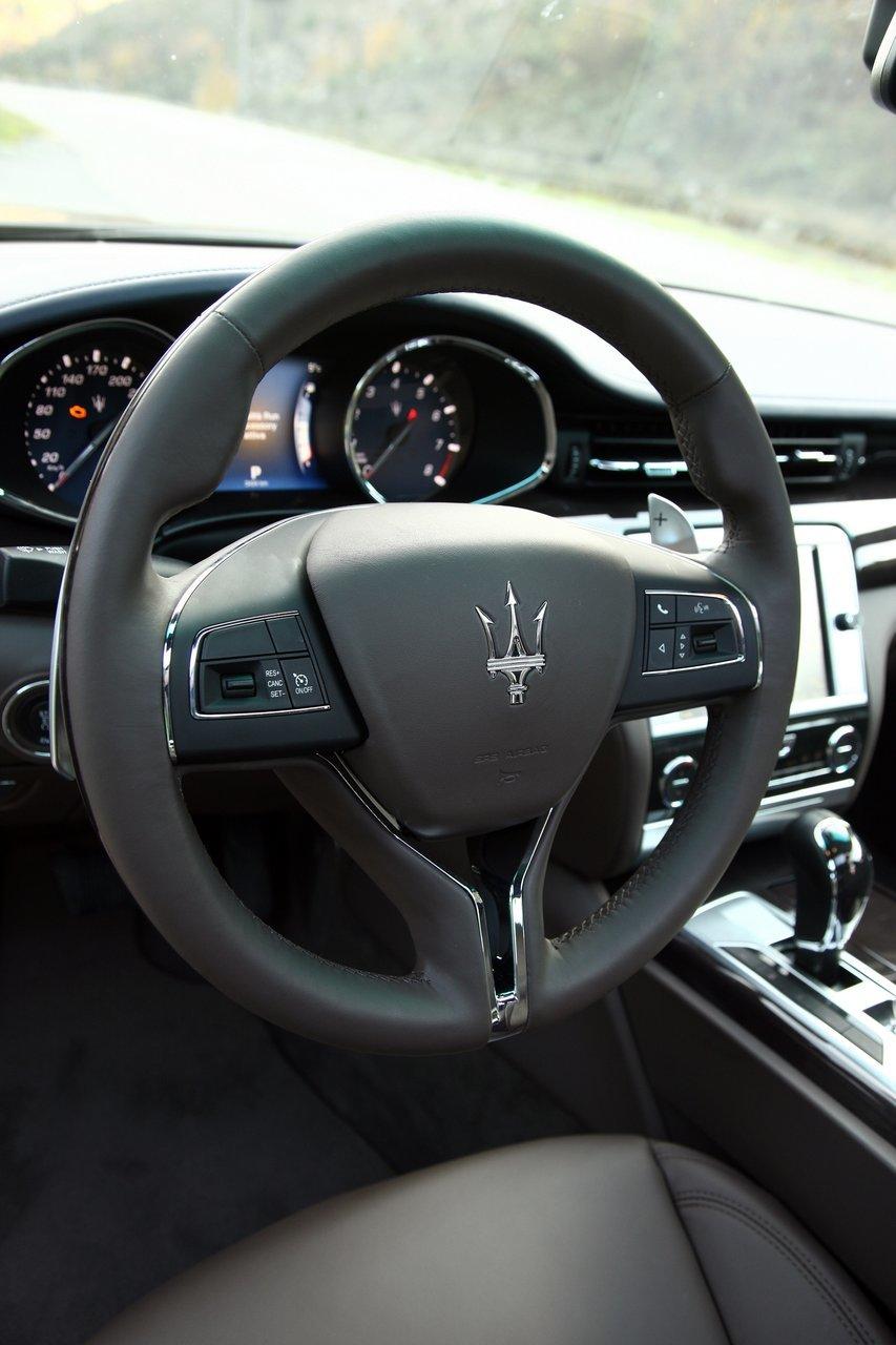 Foto de Maserati Quattroporte (2013) (38/47)