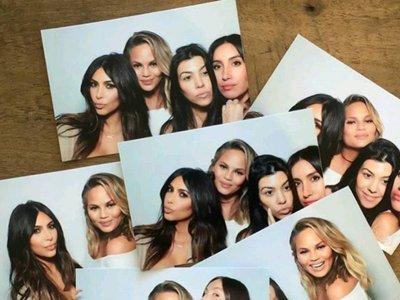 Chrissy Teigen sigue los pasos del maternity style de Kim Kardashian (transparencias incluidas)