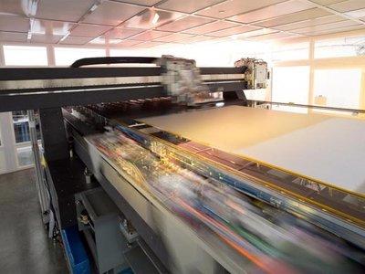 """LG comenzará a """"imprimir"""" paneles OLED en 2017 para lograr teles más baratas y grandes"""