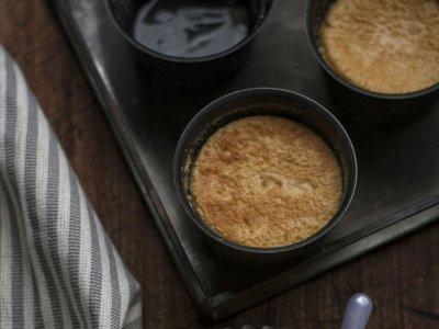 Receta fácil de flan cremoso de melocotón, una forma diferente de comer fruta en verano