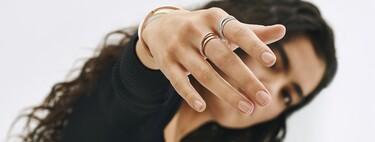 Pandora Signature, la colección de joyas minimalistas que se apilan y mezclan entre sí para llevar sin aburrirnos jamás