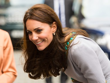 Kate Middleton dice sí a un vestido joya de Matthew Williamson