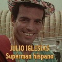 Guía rápida para no perderte en los infinitos hijos de Julio Iglesias, el auténtico superman hispano