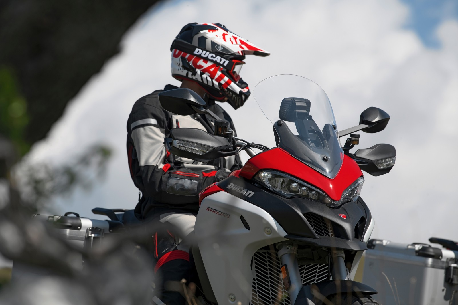 Foto de Ducati Multistrada 1260 Enduro 2019 (2/68)