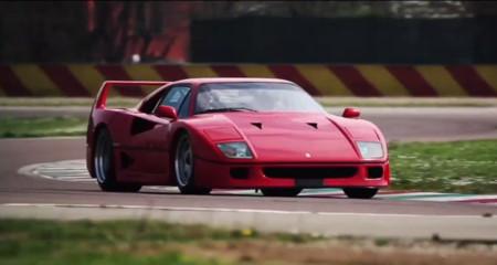 Dario Benuzzi se da un festín con los Ferrari F40, F50, Enzo y LaFerrari mientras tú los ves pasar