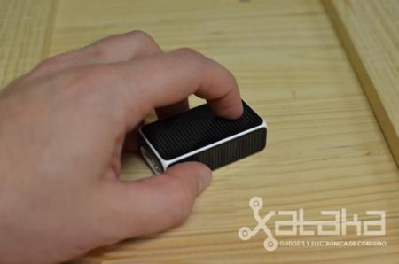 Logitech Cube en mano