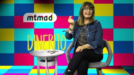 Esperanza Gracia como consejera millennial en YouTube, el girito que no te esperabas
