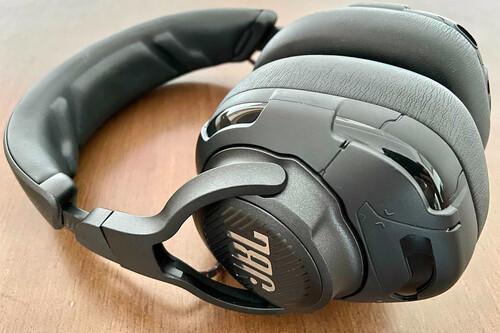 JBL Quantum One, análisis: apostando por las prestaciones premium para hacerse un hueco entre los auriculares gaming