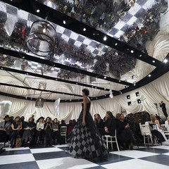 Foto 4 de 74 de la galería dior-alta-costura-maria-grazia-chiuri-y-su-magico-desfile-en-blanco-y-negro-primavera-verano-2018 en Trendencias