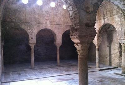 Los baños árabes de El Bañuelo en Granada