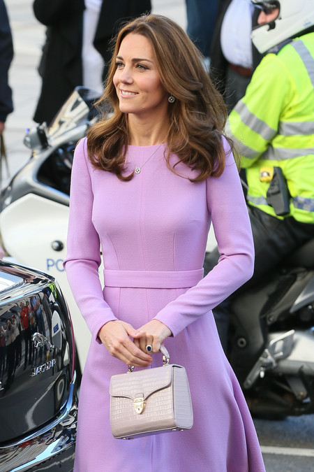 Da igual que repita: Kate Middleton sabe convencernos con un perfecto look de entretiempo