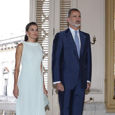 Doña Letizia triunfa en La Habana con un look romántico de estreno ideal
