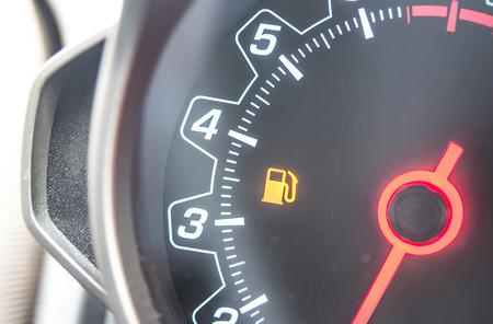 ¿Cómo sufre tu coche cuando circulas con el depósito de reserva?