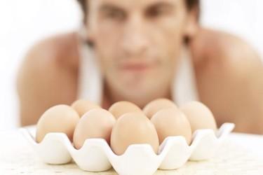 El huevo, un alimento valioso para lucir guapo y estar en forma