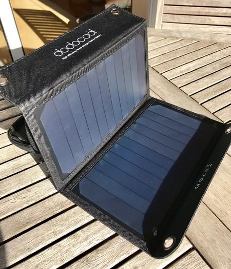 Cargando el iPhone exclusivamente con energía solar: mi experiencia
