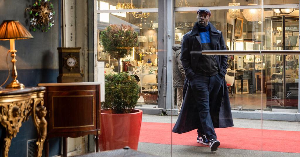 'Lupin' y sus preciadas zapatillas: así es el calzado favorito del ladrón de Netflix y el error que ha cometido la serie