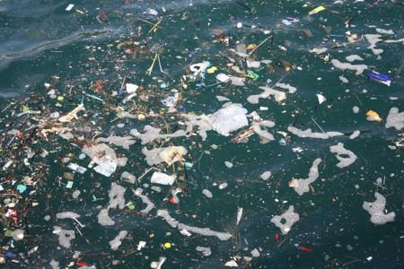 Qué es y qué no es exactamente la isla de residuos plásticos del océano Pacífico