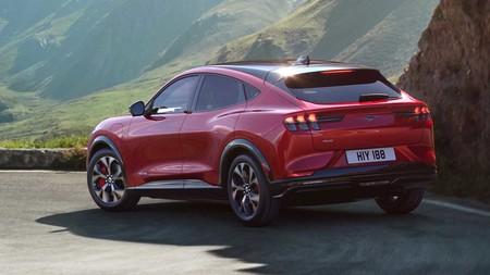 no habrá un baby Mustang Mach-E con plataforma de VW