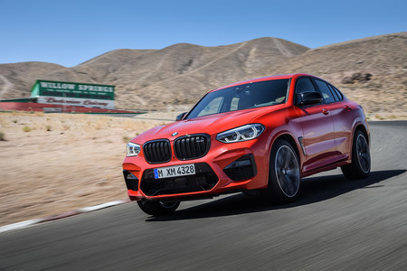 BMW X4 M Competition en curva