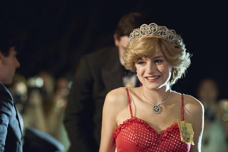 'The Crown': el gobierno británico pide a Netflix la inclusión de un aviso que aclare que la serie es una obra de ficción