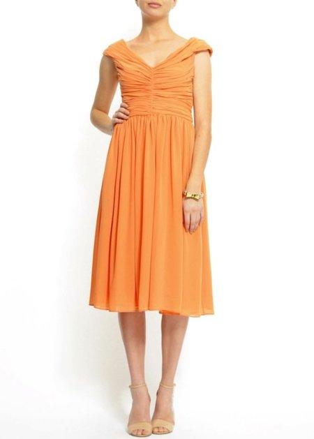 Fotos de vestidos simples para aniversario