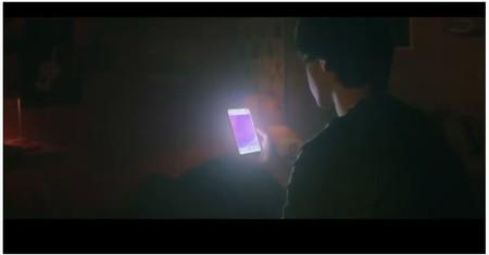 """""""¿Regalarías tu vida a cambio de un teléfono móvil?"""": la campaña 'Mi vida es tuya' sobre la dependencia al móvil de los adolescentes"""