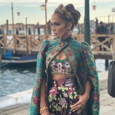Cinco diademas de pedrería para lograr un look parecido al de J.Lo en el desfile de Dolce & Gabbana Alta Costura