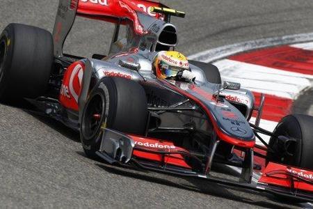 Joan Villadelprat recomienda a Lewis Hamilton que serene su conducción
