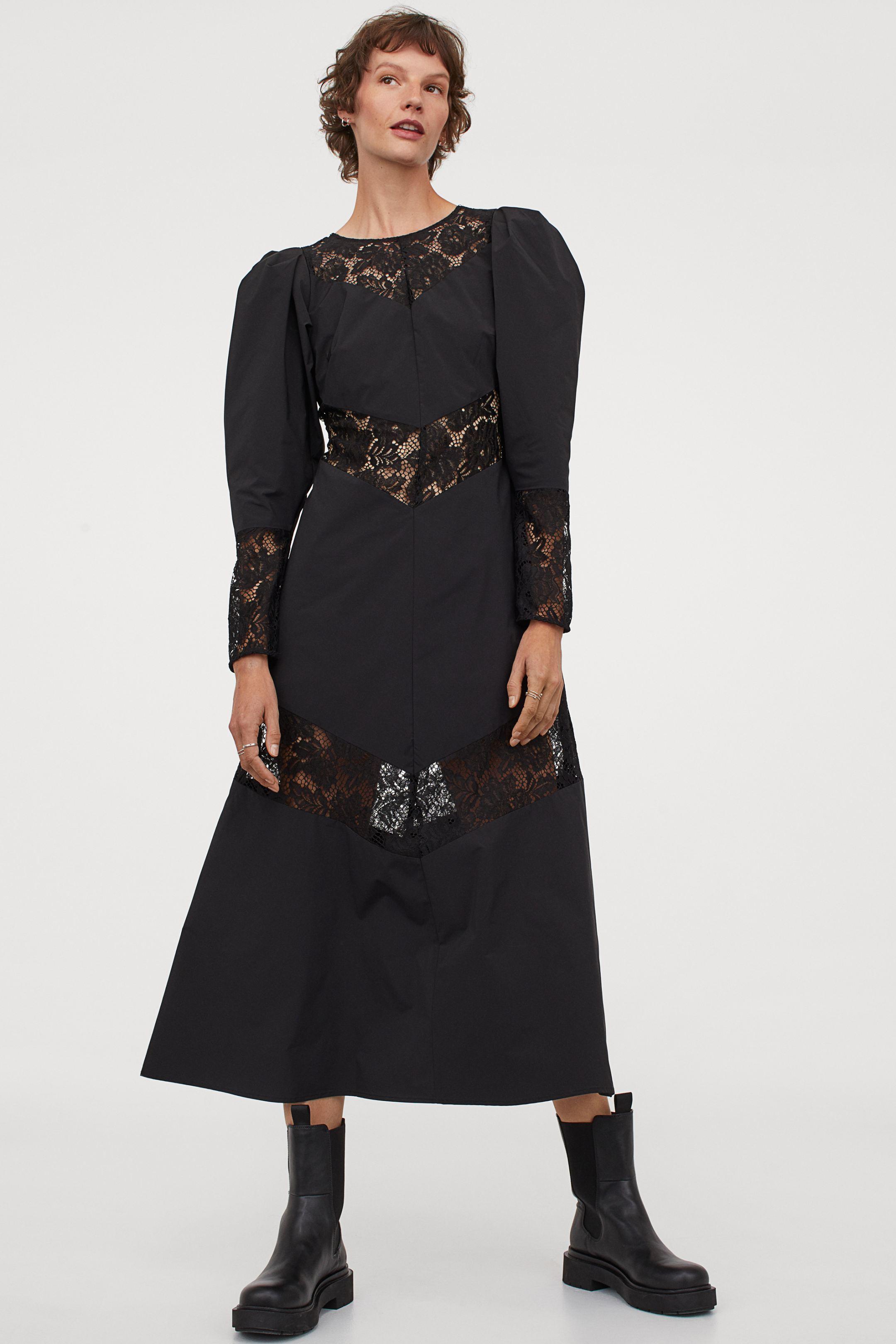 Vestido negro con detalle de encaje