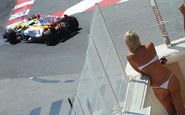 Fernando Alonso, satisfecho del primer día de libres