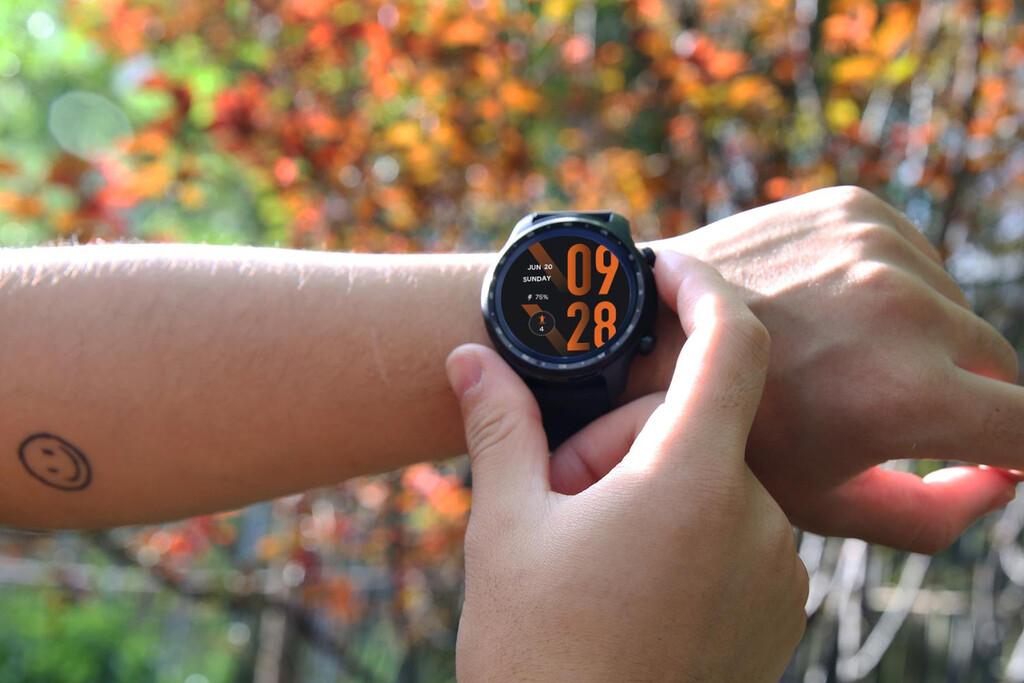 Mobvoi TicWatch Pro 3 Ultra: todavía más potencia y resistencia para este smartwatch potenciado por Wear OS