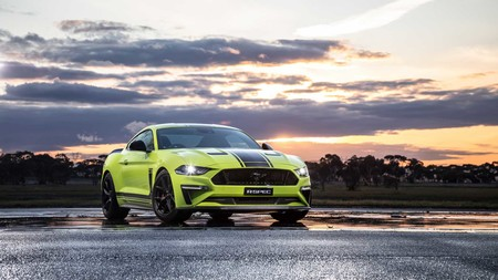 Ford Mustang R Spec 5