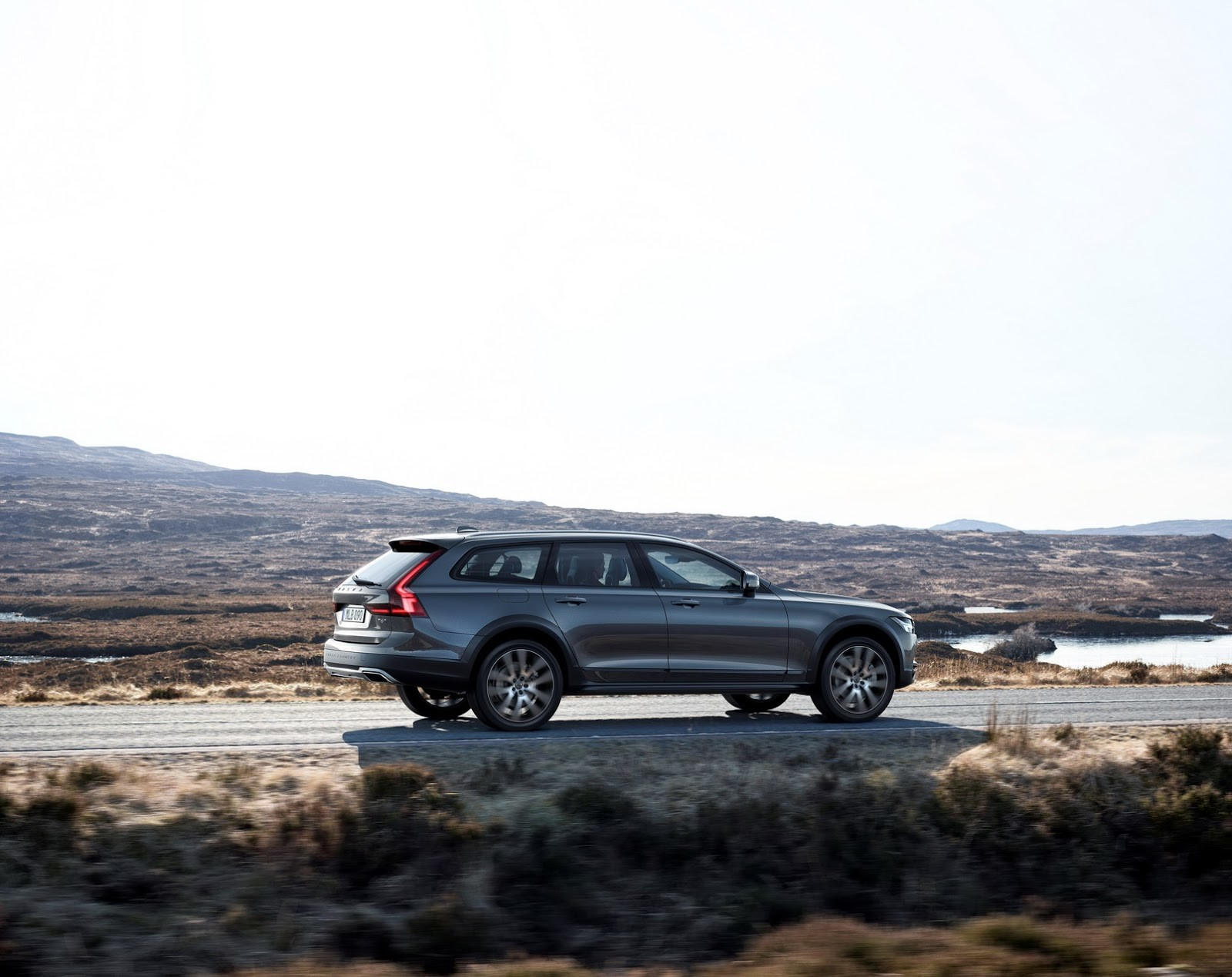 Foto de Volvo V90 Cross Country (3/24)