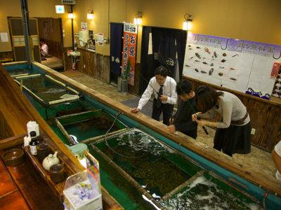 Un restaurante donde pescas lo que vas a comer