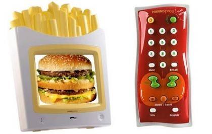 Televisor y mando para los pequeños
