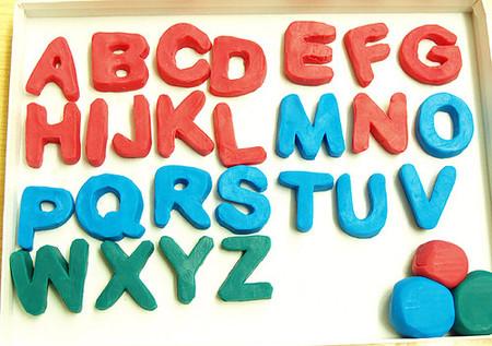 Contratos en prácticas y cómo se ordena alfabéticamente