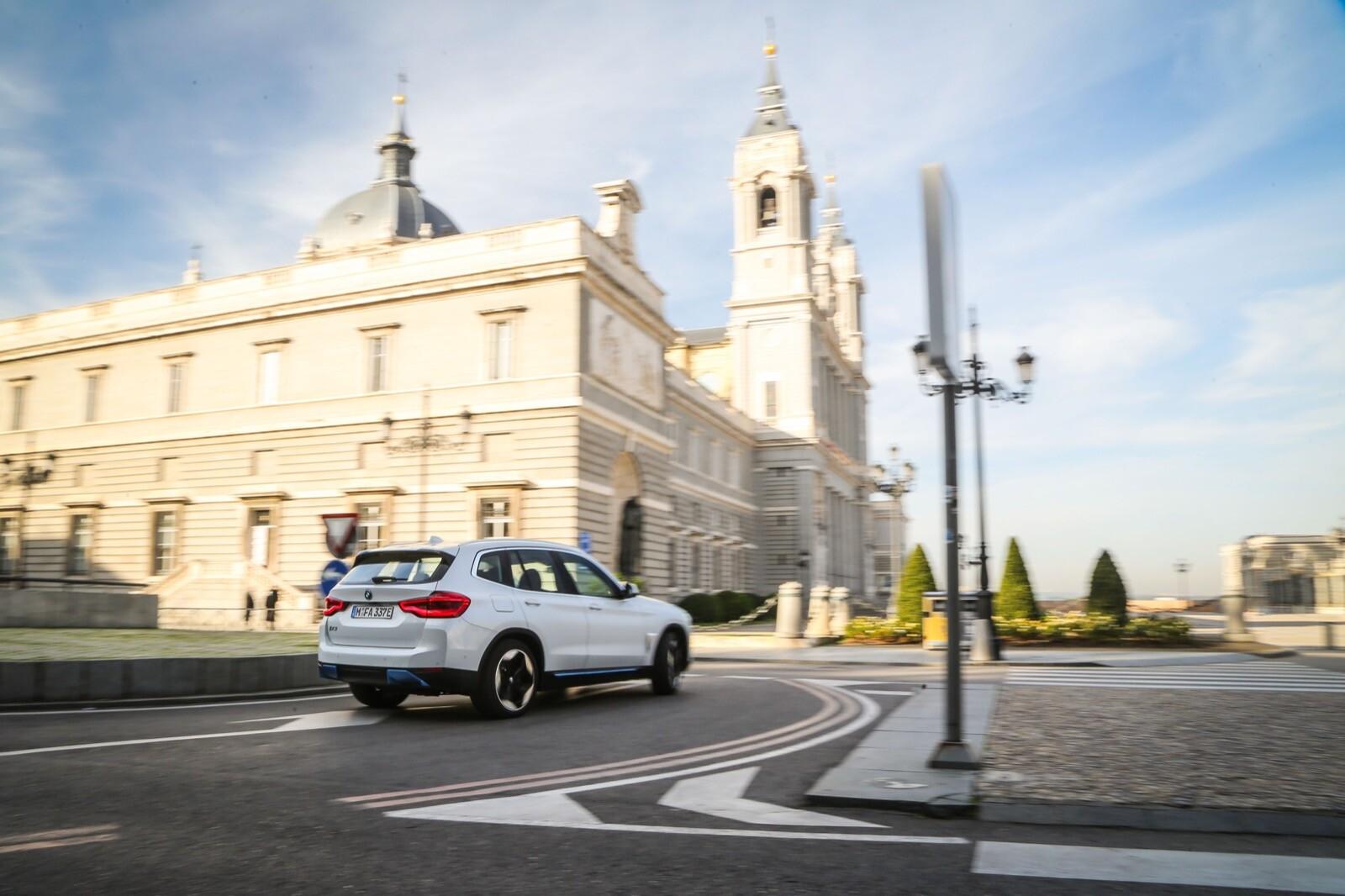 Foto de BMW iX3 (prueba) (26/65)
