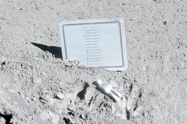 Apollo15 Fallenastronaut01 Lg