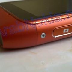 Foto 4 de 9 de la galería nokia-n8-naranja-bateria en Xataka Móvil