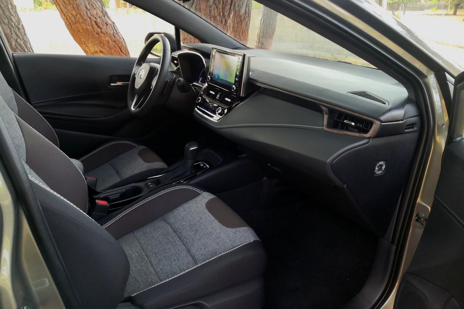 Foto de Toyota Corolla Trek - Imágenes interiores (8/18)